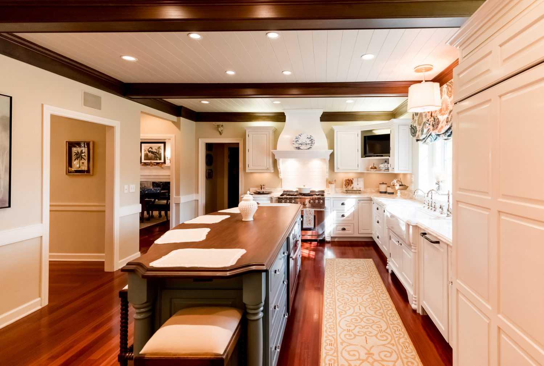 ... Brookwood Kitchen Cabinet Vignette 2048 ...